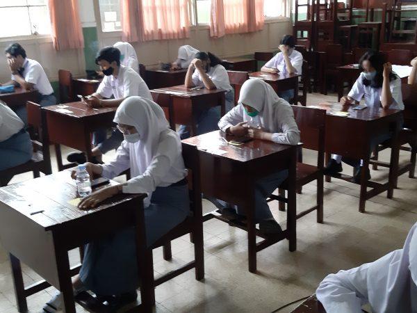 PENILAIAN AKHIR SEMESTER (PAS) Tahun Pelajaran 2020 – 2021 berbasis Computer Based Test (CBT) dengan menggunakan E-Learning SMAN 1 Madiun